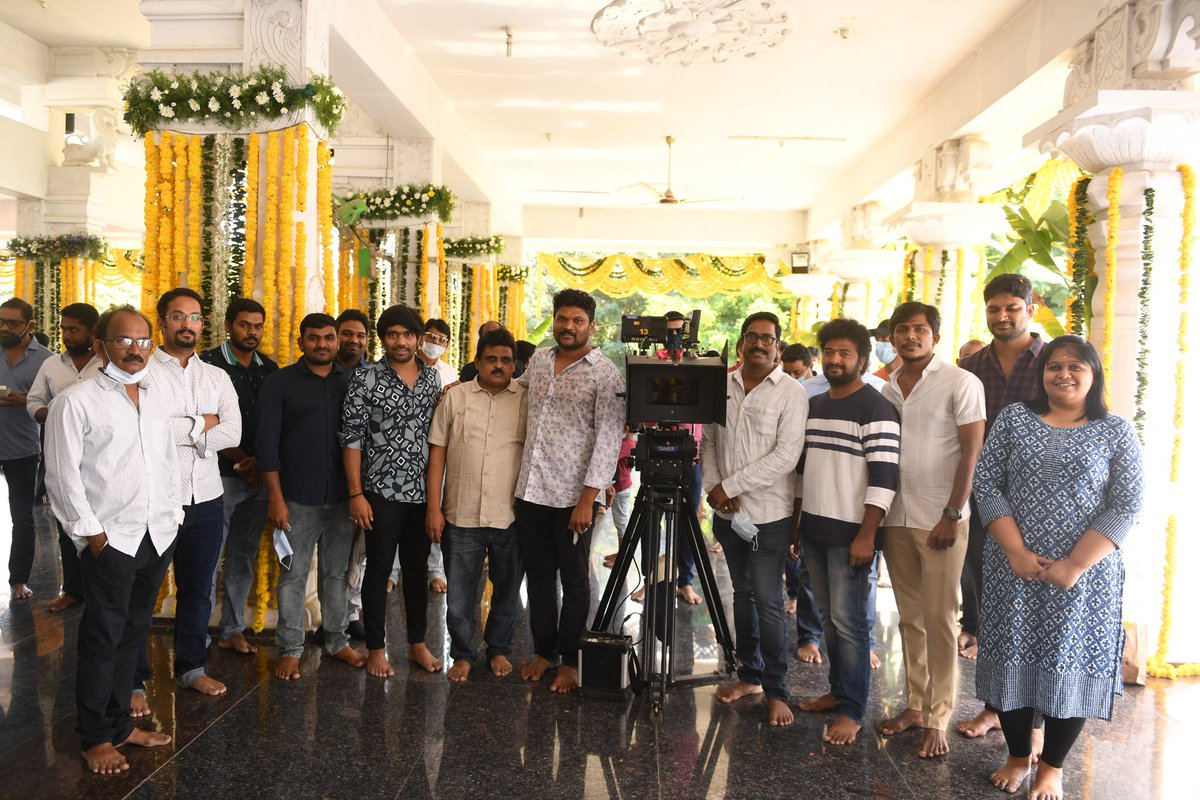 Superstar @urstrulyMahesh's #SarkaruVaariPaata Director @ParasuramPetla with his Direction Department during the movie launch today