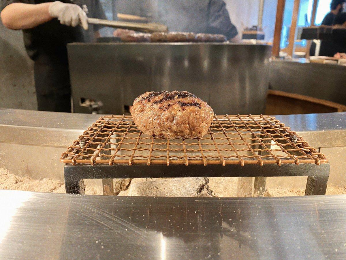 炭火焼きハンバーグと炊き立てご飯の専門店が夢のよう!『挽肉と米』いろいろな味で楽しめると話題!