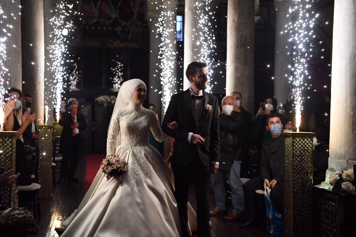 Eski Kadın Kolları Başkanımız Cahide Ahmetoğlu'nun kızı Sena Ahmetoğlu ve Selim İstikbal çiftimizin nikah akdini gerçekleştirdik.  Aile olmak gibi mukaddes bir yolda ilk adımlarını atan mutlu çiftimize bir ömür boyu mutluluklar diliyorum. https://t.co/zZRxnan2hG