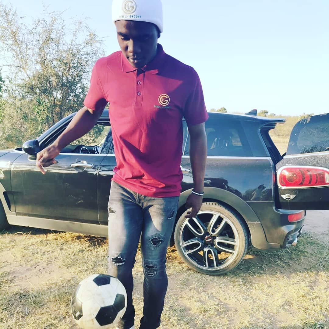 Weekend Sports Radio #EtimbaleniTamintlangu @Munghana Live #PSL Game: Kaizer Chiefs VS Golden Arrows... ⚽⚽⚽📻🔥🔥🔥 https://t.co/9E2lzcoUfQ