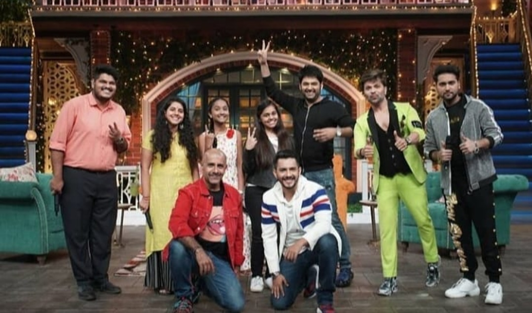 Catch tonight #indianidol judges on the set of #thekapilsharmashow to be ready on time for this Comedy + musical night only on 09:30 pm  @KapilSharmaK9 @VishalDadlani @TeamHimesh @almostbharat @SonyTV @bharti_lalli #tkss #comedy #laughter #singing #rocking