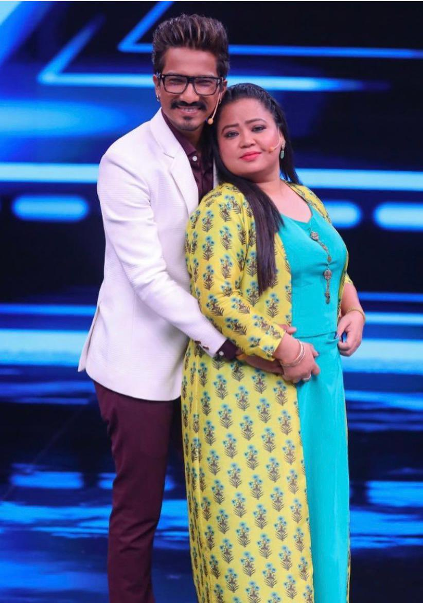 Comedian #BhartiSingh arrested by NCB in drugs case! Her Husband who regularly make appearances in #BiggBoss14 is also in radar.