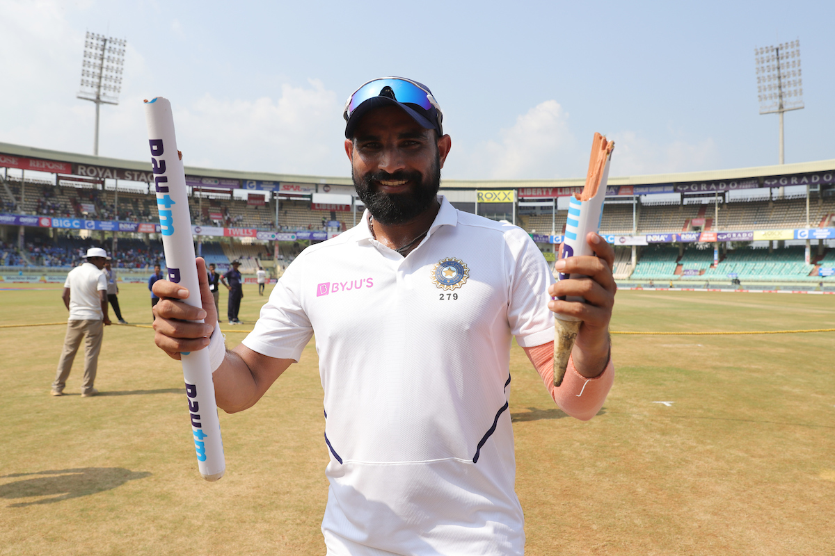🎤 INTERVIEW 🎤: Our fast-bowling unit thrives on challenges: @MdShami11   Fresh from an impressive IPL, the fast bowler talks to @Moulinparikh about #TeamIndia's closely-knit bowling unit and the marquee series against Australia. #AUSvIND   Full text 👉