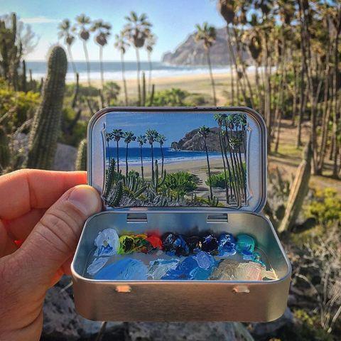 ミントタブレット缶のフタ裏に描かれた風景画がステキ   @itm_nlabより