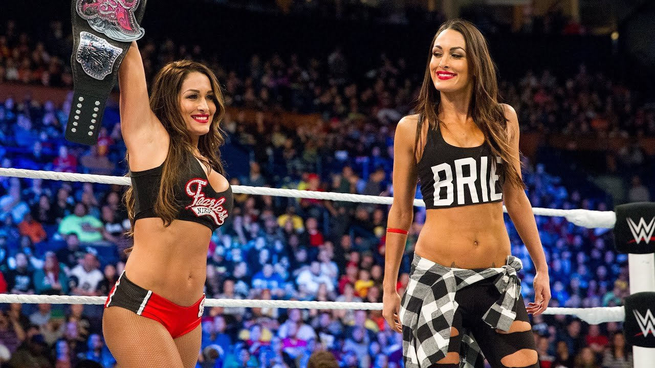 Happy Birthday to the Bella Twins!