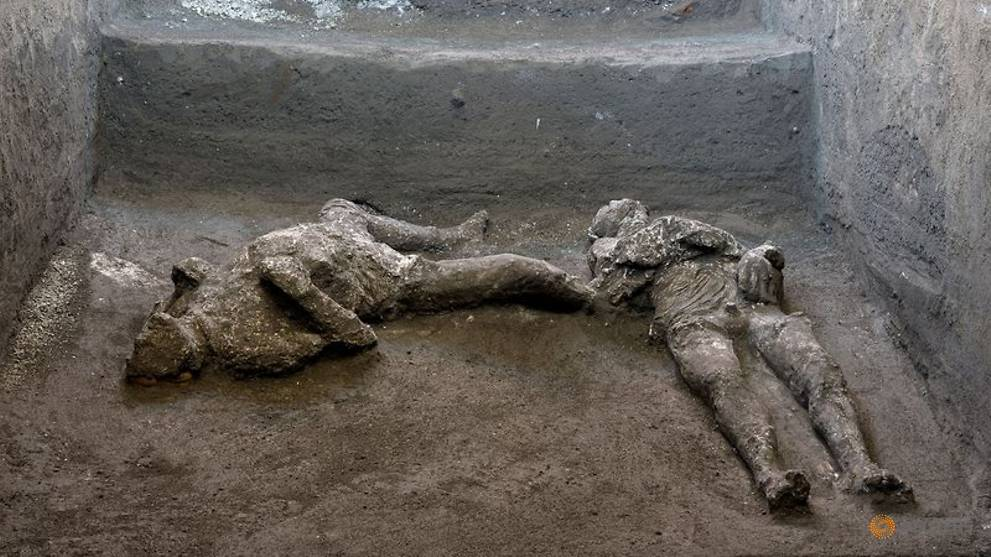 Remains of man and his slave unearthed from ashes at Pompeii after almost 2,000 years Photo