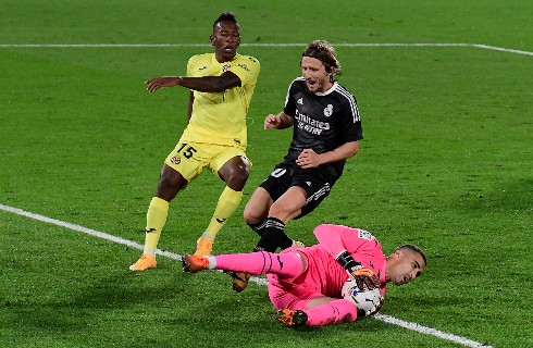 #Deportes   Un @realmadrid con bajas sensibles no pasó del empate contra Villarreal.   Los detalles del partido aquí ➡️https://t.co/pbMUWFMVab https://t.co/eJ956OpYAk