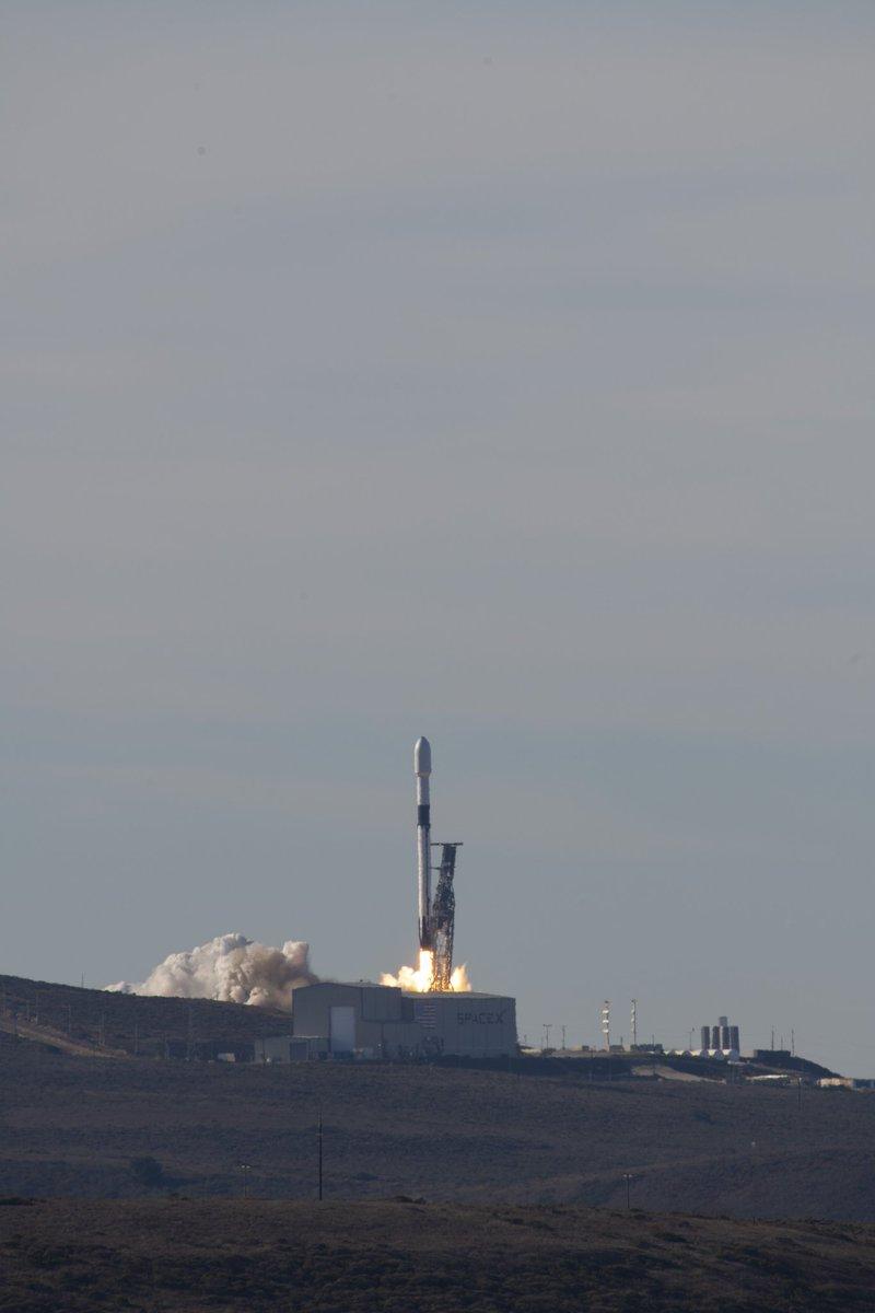 A lire: Décollage de #Sentinel6, un nouveau satellite pour la surveillance de l'élévation du niveau de la mer. Merci et bravo à nos partenaires @NASAEarth, @NASA, @NASAJPL, @eumetsat, @CopernicusEU, @NOAASatellites & @CNES!