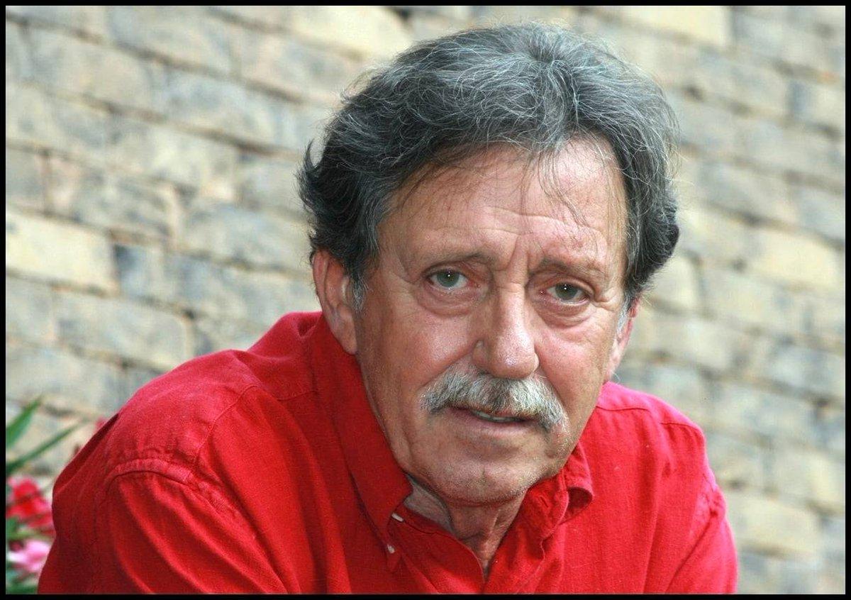 #New  21 Novembre 2020: Nous avons aussi appris avec stupeur la disparition de Tamás Mihály, âgé de 73 ans, bassiste Hongrois, également membre du groupe Omega (Comme László Benkő, voir tweet d'avant) Il était dans le groupe entre 1967 et 2014 Il meurt 3 jours après László Benkő https://t.co/iW8VPT7QJx