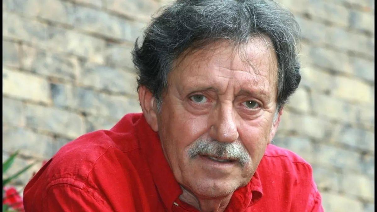 Ve věku 73let zemřel v sobotu basový kytarista maďarské rockové skupiny Omega Tamás Mihály.  https://t.co/rugiaVQ4FO https://t.co/zbozDRUKyE