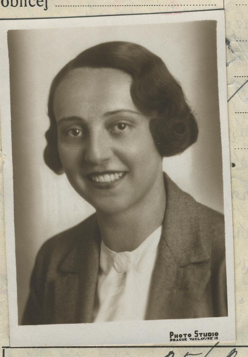22 November 1906 | Czech Jewish woman Anna Krausová was born in Dvůr Králové. She was deported to #Auschwitz from #Theresienstadt Ghetto on 4 October 1944. She did not survive.