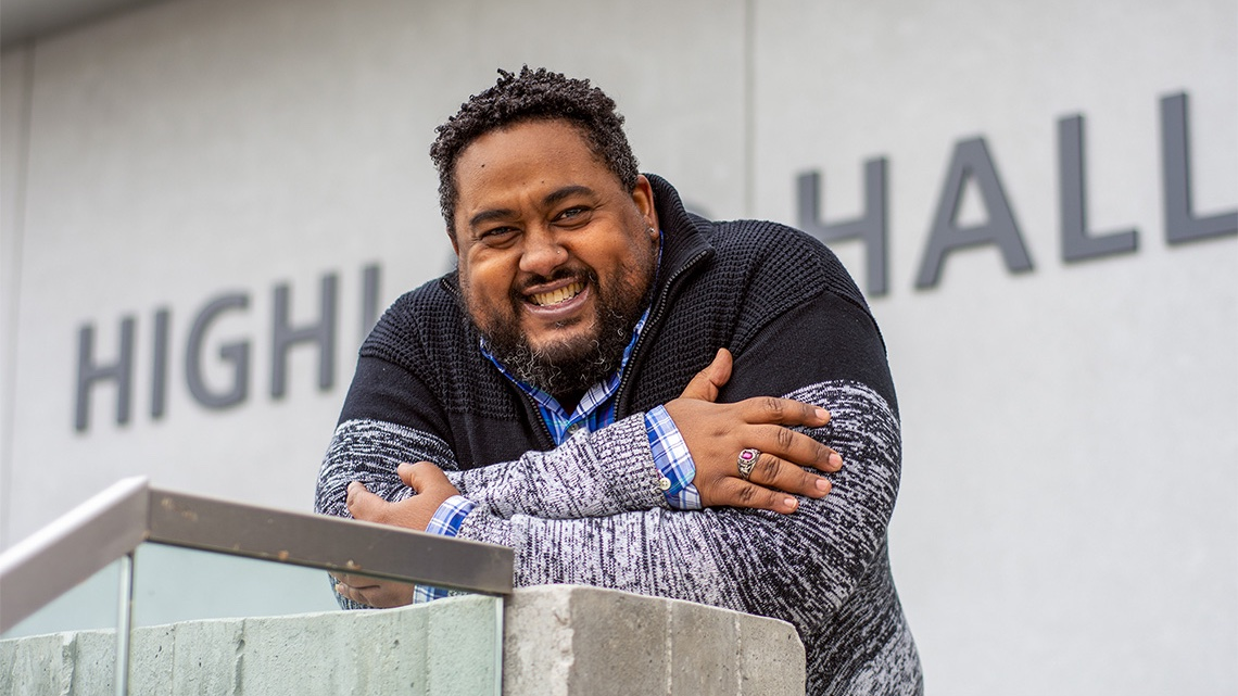 #UofTGrad20: After a 20-year hiatus, @UTSC grad dedicates his degree to his late mother #UofT 📜