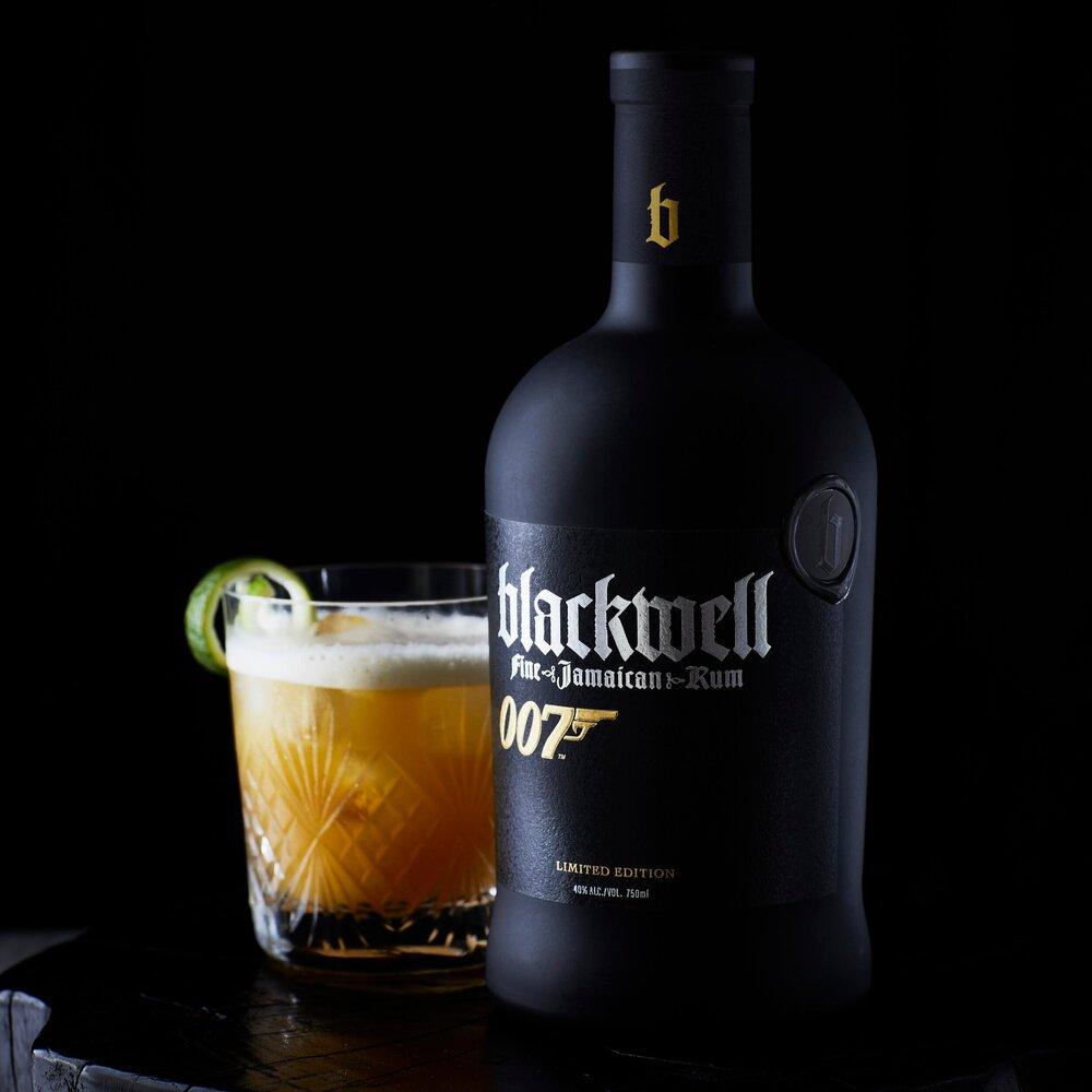 'No Time To Die' will see James Bond (Daniel Craig) drinking @blackwellrum in his Jamaican villa. 🇯🇲  #JamesBond | #JamesBond007 | #BondJamesBond | #Bond25 | #NoTimeToDie | #DanielCraig | #ChrisBlackwell | #BlackwellRum