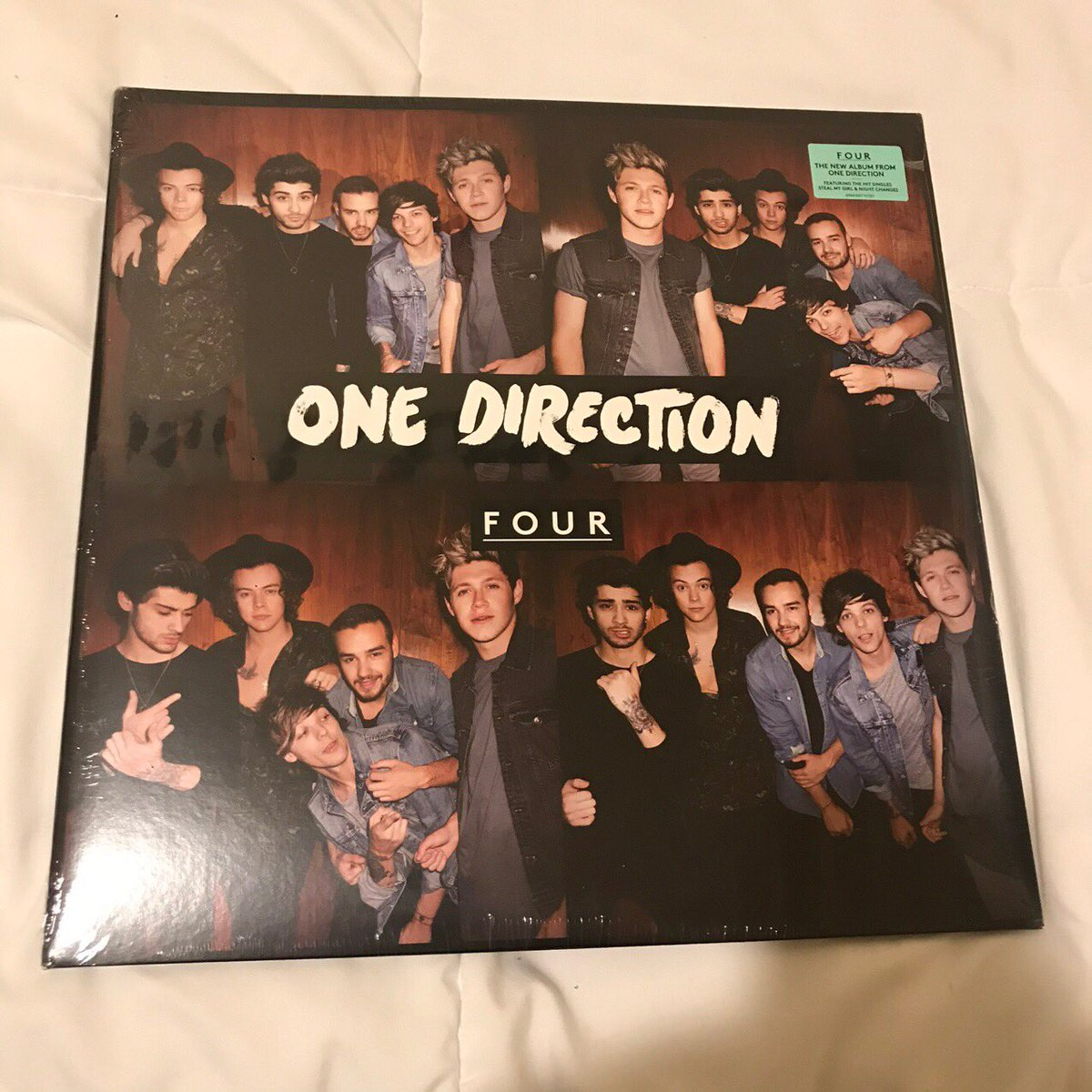 in time for the holidays, i felt like doing about her giveaway! i'm giving away a brand new four one direction vinyl that i got a while ago and never opened.   how to enter: -rt/ like this -follow me (extra entry options below)  ENDS DECEMBER 15TH