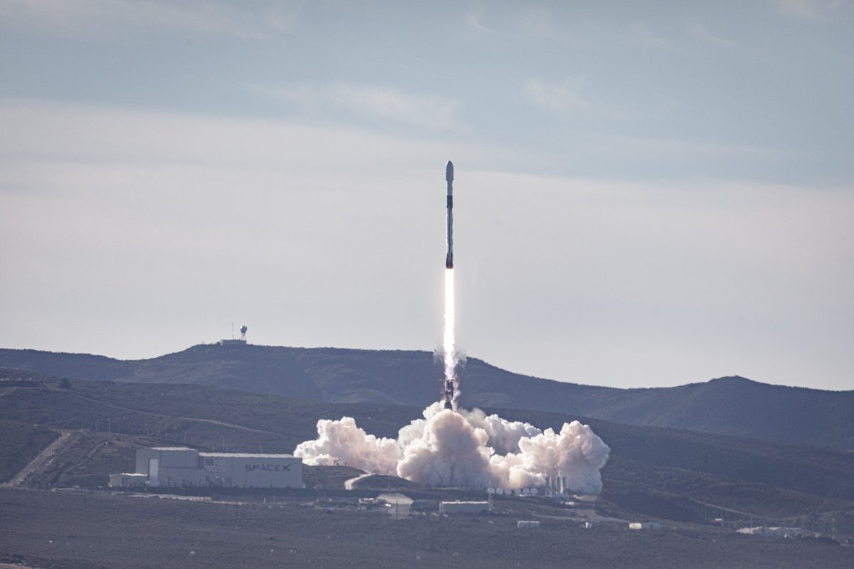 Falcon 9 launches Sentinel-6 Michael Freilich to orbit and the first stage rocket booster returns to Earth, completing SpaceX's third West Coast land landing