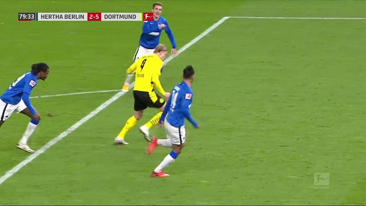 NOT HUMAN 🤖  FOUR GOALS FOR ERLING HAALAND! https://t.co/2QZeu7Se6L
