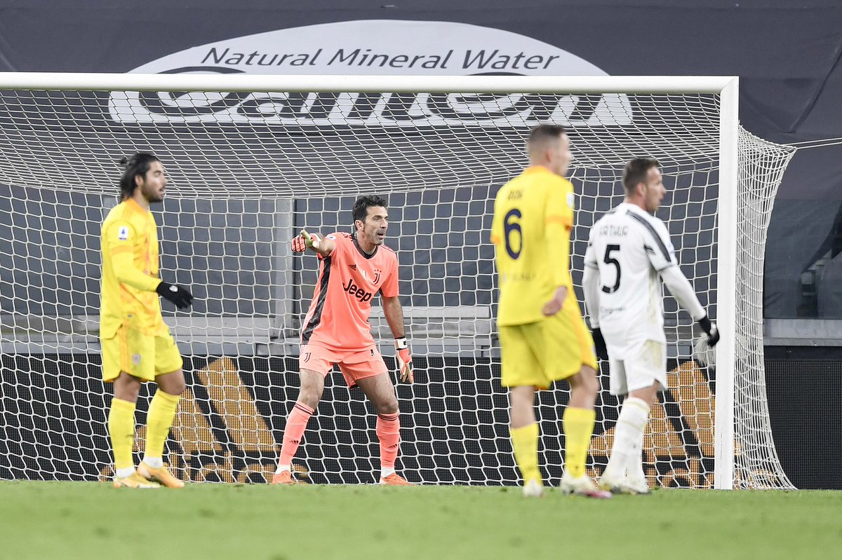 Era importantissimo tornare alla vittoria stasera. Obiettivo raggiunto giocando in maniera convincente! Avanti Juve! ⚪️⚫️ #JuveCagliari