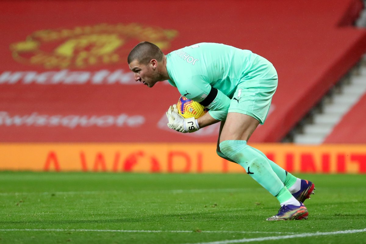 Good to see you back at Old Trafford tonight, @SamJohnstone50 —  well played 🤝  🔴 #MUFC  #️⃣ #MUNWBA 🏆 #PL