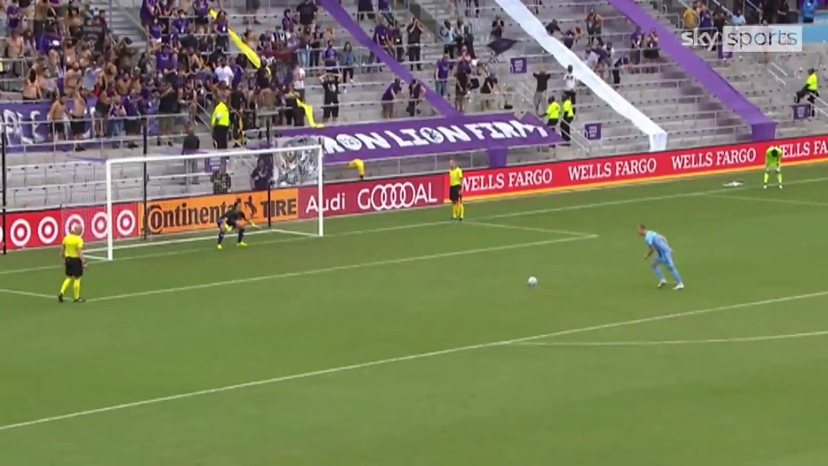 The most dramatic penalty shootout ever may have happened tonight in the MLS... 😅  ✅ Goalkeeper sent-off ✅ Failed substitution ✅ Defender makes vital save https://t.co/ydZPGMIscD