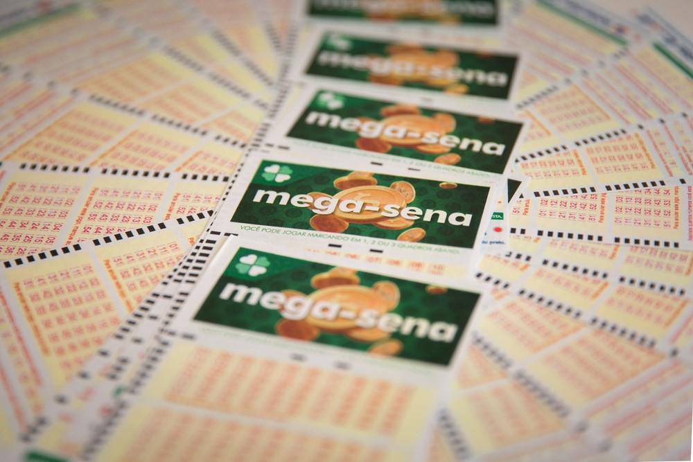 Mega-Sena, concurso 2.320: veja as dezenas sorteadas https://t.co/yelhmtwarr #G1 https://t.co/iTR0sTVXx4