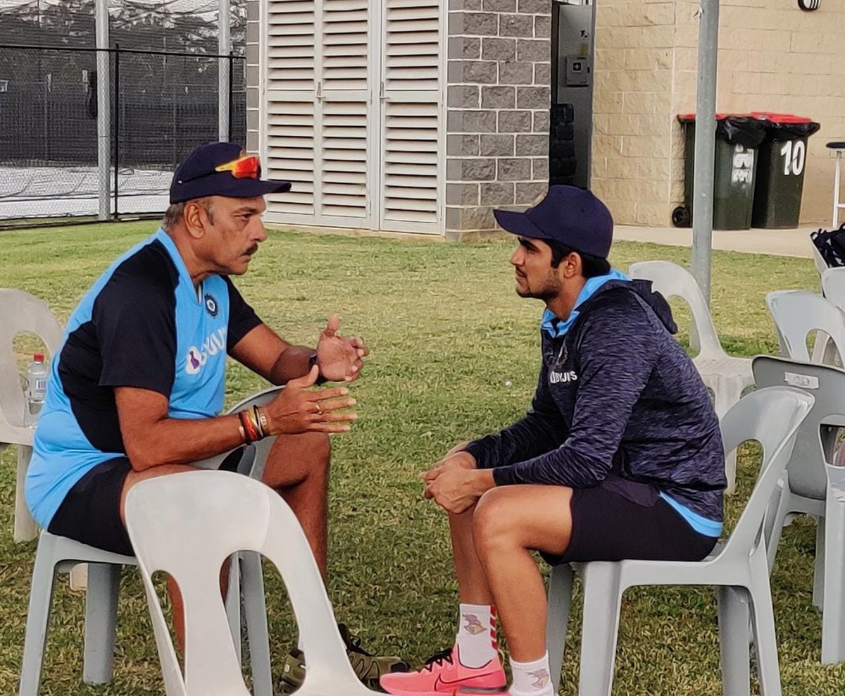 Nothing beats a good conversation about the great game #LoveCricket #AUSvIND 🇮🇳- with @RealShubmanGill