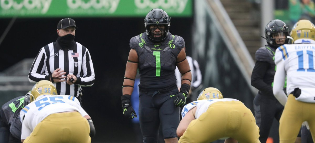 """Wins can have a """"lipstick on a pig"""" effect on a team's deficiencies, but if Oregon is to finish the regular season undefeated, the glaring issues on defense can no longer be glossed over."""