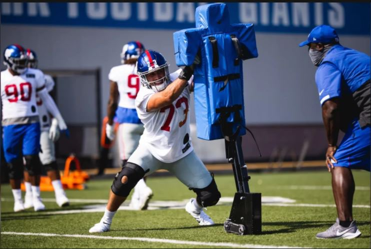 Niko Lalos VM16 was recently moved to the @giants active roster for today's game against the Bengals, which will mark his first career game in the NFL. Look out for #57 on the field today! Congratulations and good luck to Niko as he continues his football journey. #IrishForever https://t.co/NMr7TieBvD