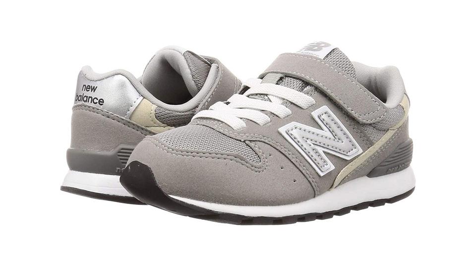 子ども靴は消耗品、だからお得に。でも、足に優しい履きやすいものを選びたい。おすすめスニーカーをAmazonのBig Sale「ブラックフライデー&サイバーマンデー」から探してみました。 https://t.co/fcIs4Euj0L https://t.co/ojMPYpFDEa