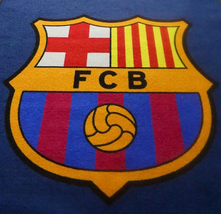 🎁 En un día tan especial, 🤔 cuál es el 𝐦𝐞𝐣𝐨𝐫 𝐣𝐮𝐠𝐚𝐝𝐨𝐫 que habéis visto jugar con el escudo del Barça❓  🔵🔴 __________  #UCL | @FCBarcelona_es