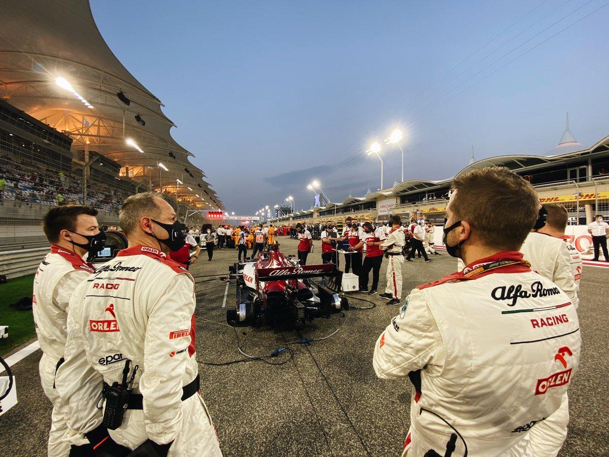 Time to light up Bahrain! 🇧🇭✨   #BahrainGP https://t.co/OTceKD5pi0