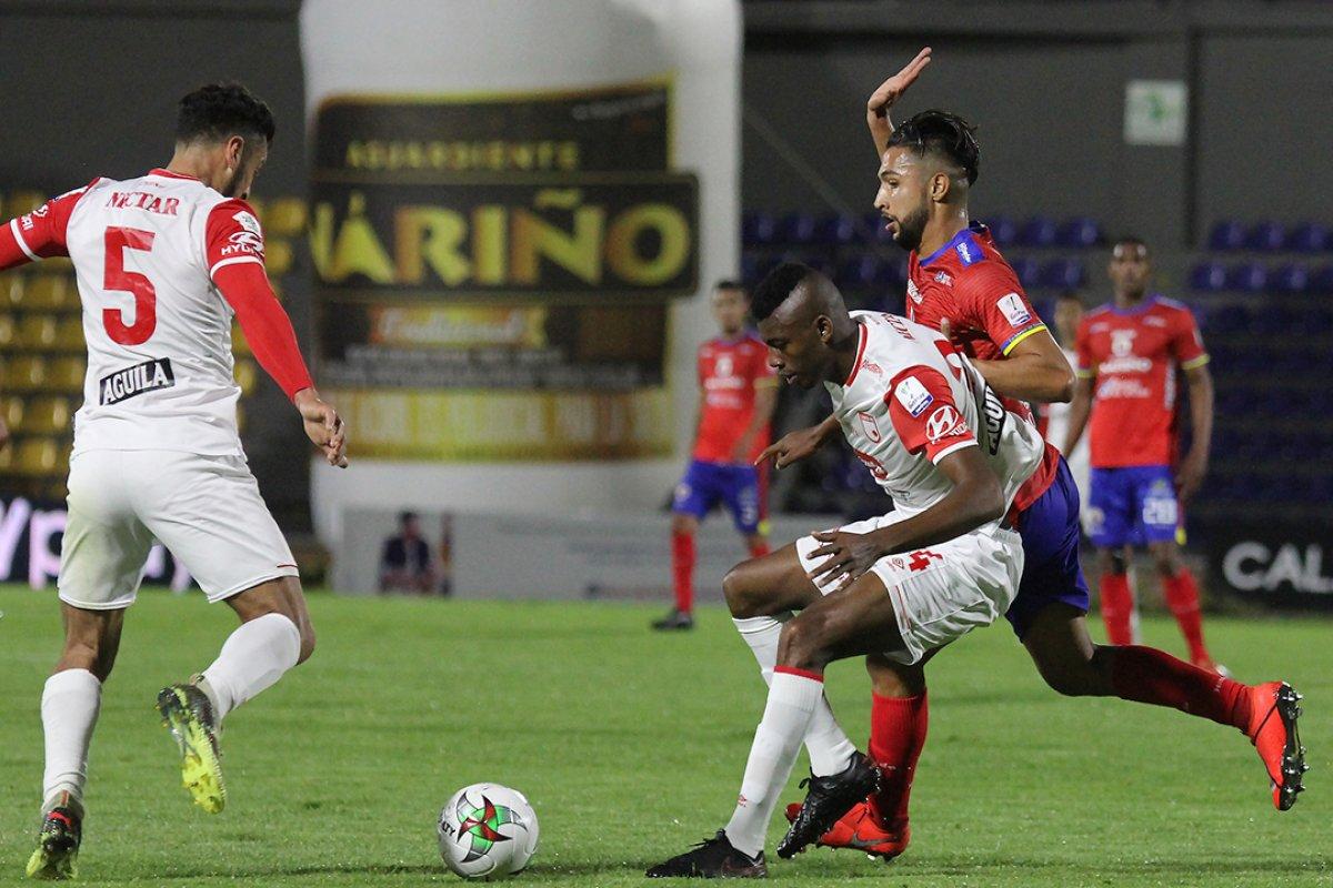 #YoEscuchoElVBARCaracol  ⚽🇨🇴¡Por un cupo a Semifinales!  Hoy se jugarán los dos partidos de vuelta restantes, de los cuartos de final de la Liga  ❤️ Santa Fe (0) vs Pasto (1)🌋5:30p.m  🔶Tolima (0) vs (1) Junior🦈 8:00p.m