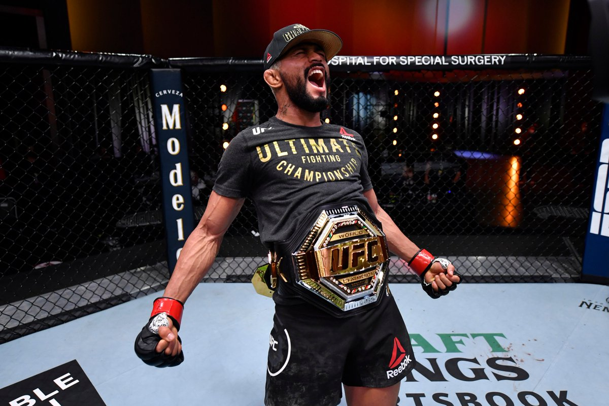 Deiveson Figueiredo (@DeivesonDaico) ties Demetrious Johnson for most finishes in @UFC flyweight history with seven.  MOST FLYWEIGHT WINS - UFC History 13 - Demetrious Johnson 13 - Joseph Benavidez 09 - Deiveson Figueiredo 09 - Jussier Formiga 08 - John Moraga 08 - Dustin Ortiz https://t.co/XrQjP4EGbd
