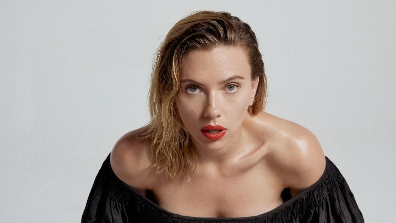 Happy Birthday to Scarlett Johansson.  (November 22, 1984)