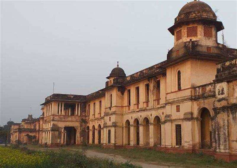 In its 48th year, a value has finally been assigned to what is at stake in the court battle among members of the Rampur royal family — Rs 2,664 crore.  via @TOICitiesNews