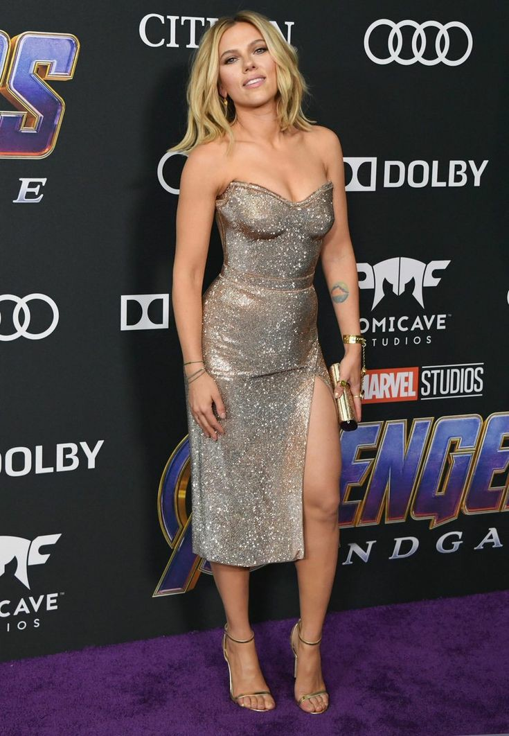 Happy Birthday   to the most gorgeous, Scarlett Johansson.