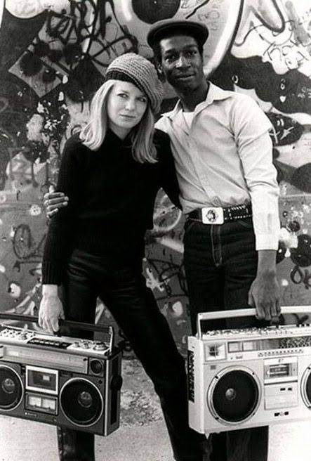 Happy birthday Tina Weymouth of Talking Heads, here\s Tina with DJ Grandmaster Flash in 1981.