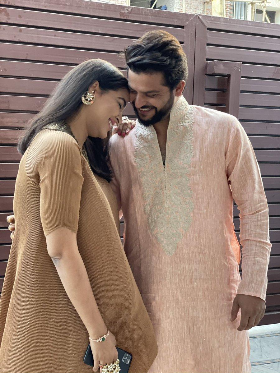 Family time, wedding time ❤️ @PriyankaCRaina #festivevibes #weddingseason