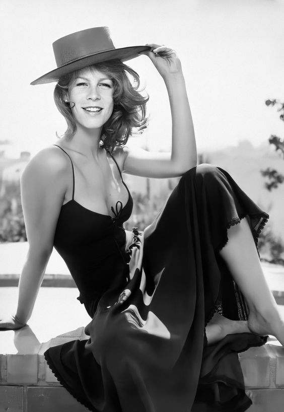 Happy Birthday goes out to Jamie Lee Curtis who turns 62 today.