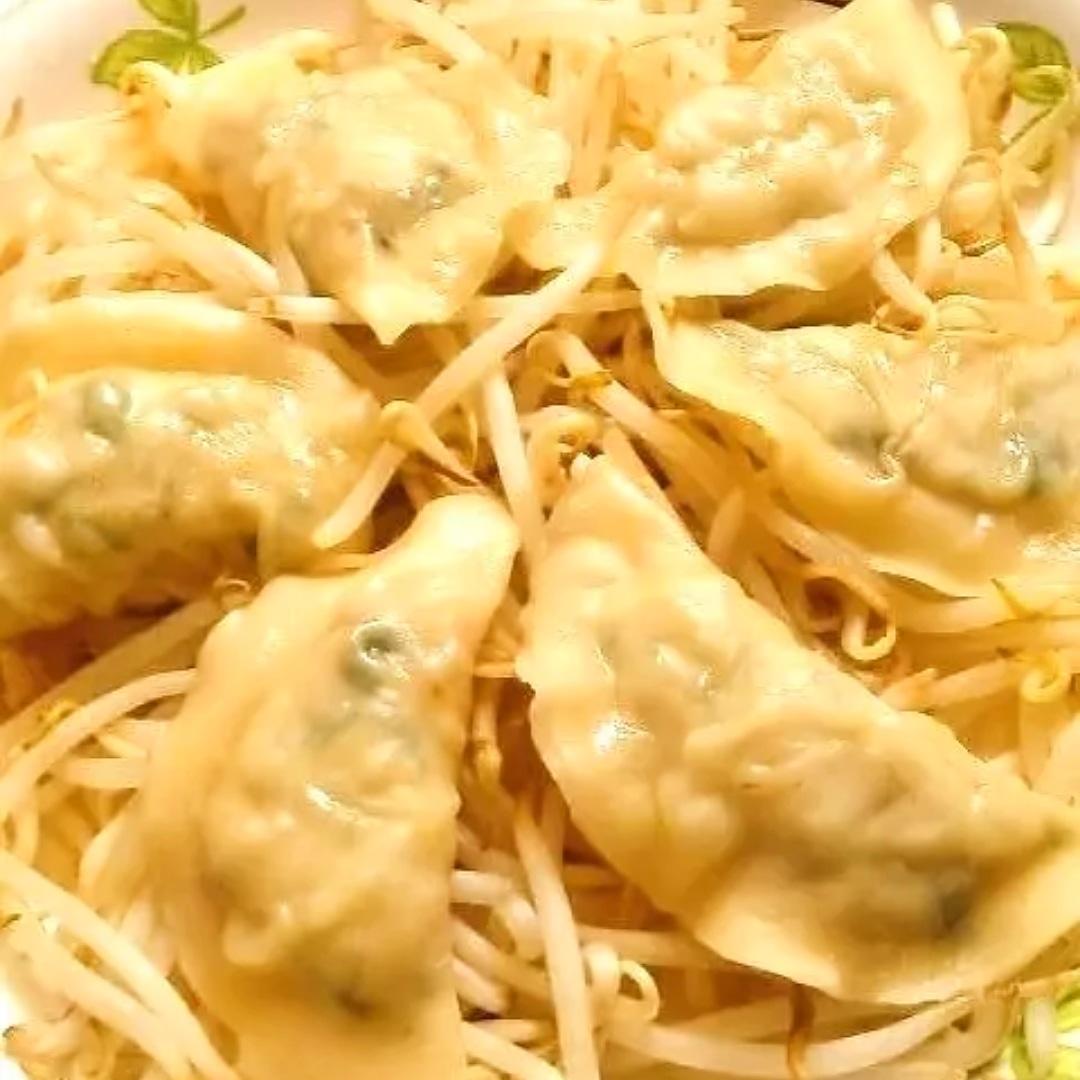 クックパッドで公開している私のレシピをご紹介♪レンジで簡単♪ヘルシー鶏しそ蒸し餃子 by hirokoh レンジで簡単に作れる蒸し餃子です♪#料理好きな人と繋がりたい#Twitter家庭料理部 #お腹ペコリン部#おうちごはん #クックパッド#cookpad #YouTube #餃子
