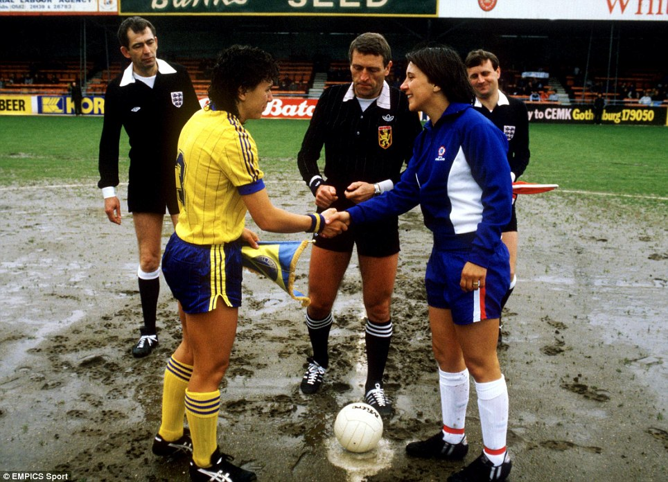Pre match, the England vs Sweden women's European Championship Final, 1984, Kenilworth Road