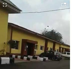 Lagos Mainland hospital barred family members from accessing corpses related to #EndSARS protests. The management says it received a directive from the state Ministry of Health not to release corpses of suspected #ENDSARS protesters. https://t.co/KC7curtO94