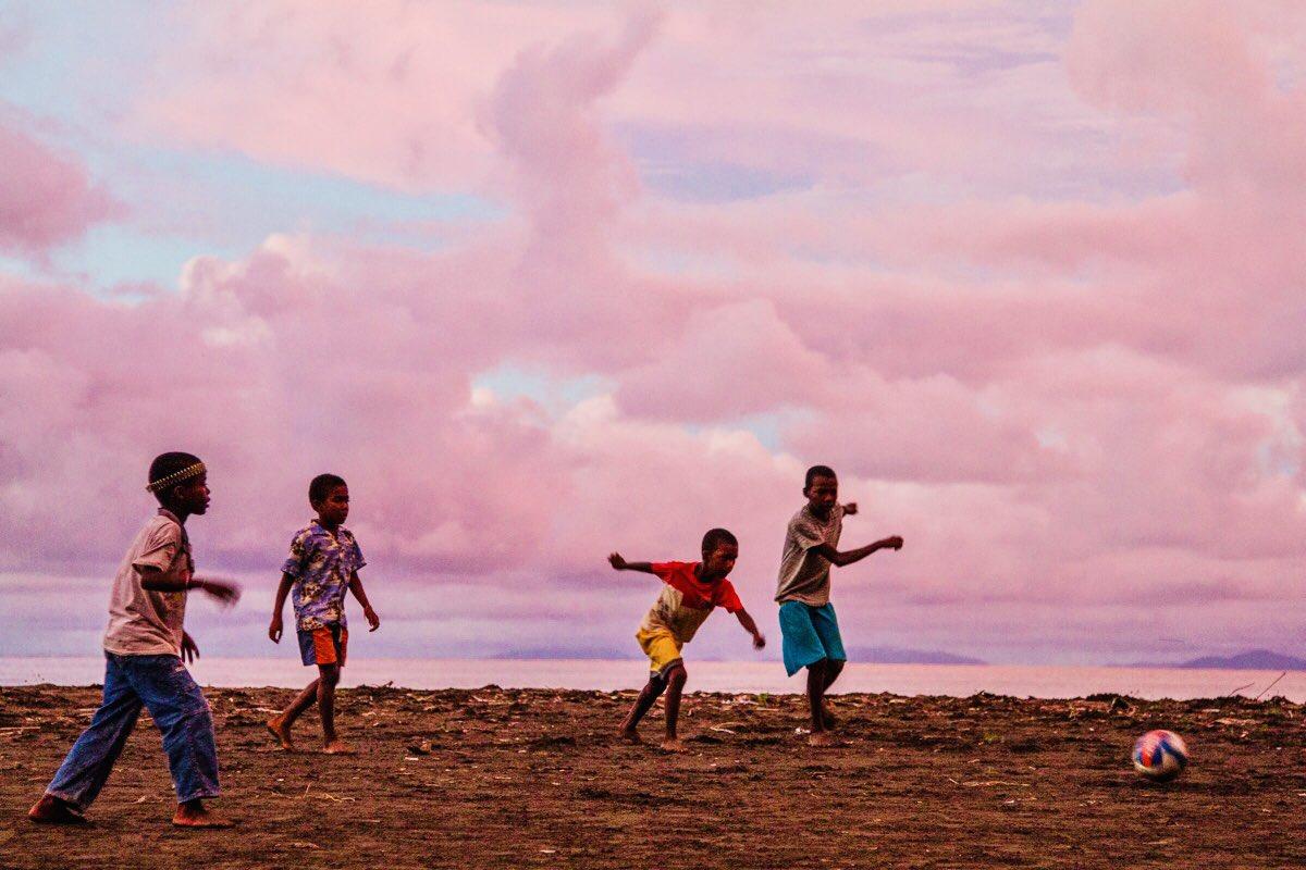 #ExpediciónTribugá  Crezcamos hoy 22/11 este movimiento ciudadano ✊🏾🐋  EL DOCUMENTAL (11 AM):   El reportaje sobre el conflicto medioambiental en el golfo de Tribugá:   La nota sobre la salida del documental:
