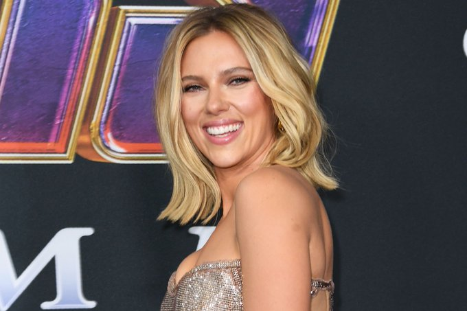 Happy birthday scarlett johansson you may be a dumbass sometimes but i love you <33