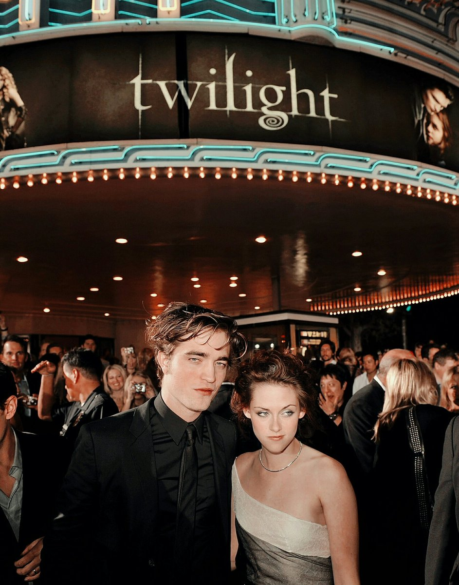 Replying to @archivetwilight: 'Twilight' world premiere in Los Angeles, November 2008