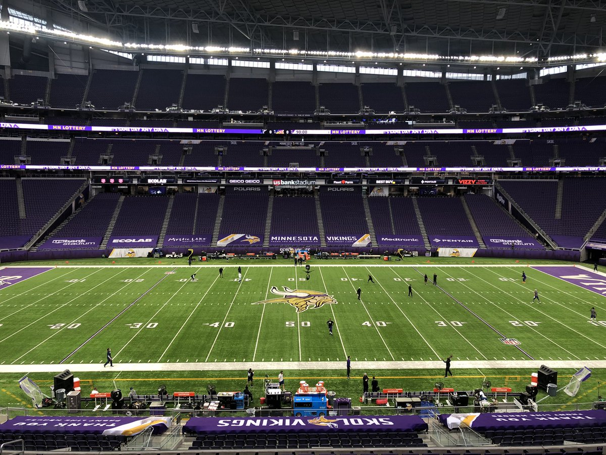 View from the booth @Vikings @dallascowboys #JonathanVilma @ShannonSpake @NFLonFOX #AmericasGameOfTheWeek https://t.co/ruowlTiCNW.