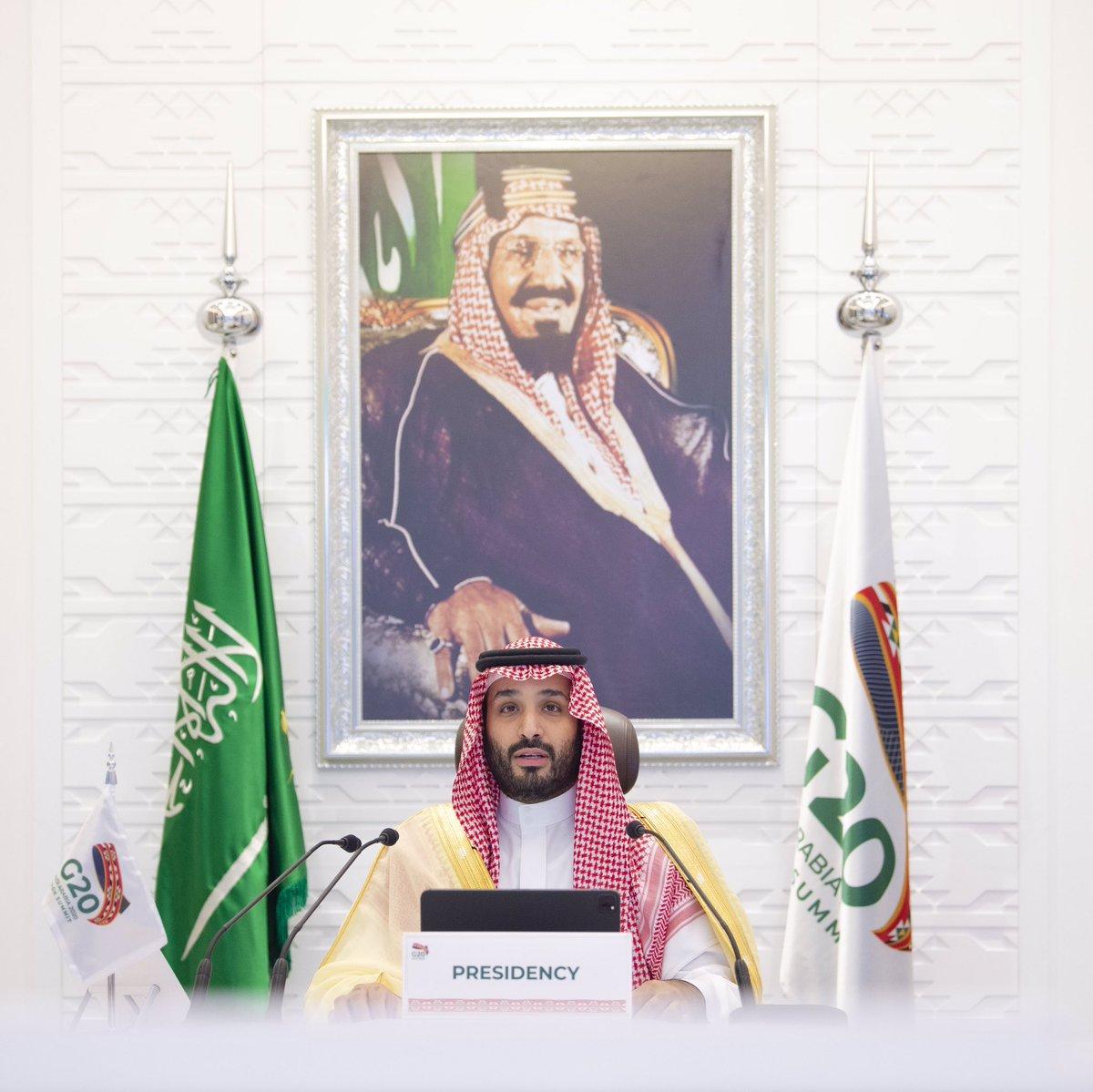 صاحب السمو الملكي الأمير محمد بن سلمان بن عبدالعزيز ولي العهد نائب رئيس مجلس الوزراء وزير الدفاع -حفظه الله- يترأس الجلسة الأخيرة في اليوم الثاني لقمة الرياض لقادة #مجموعة_العشرين  #G20