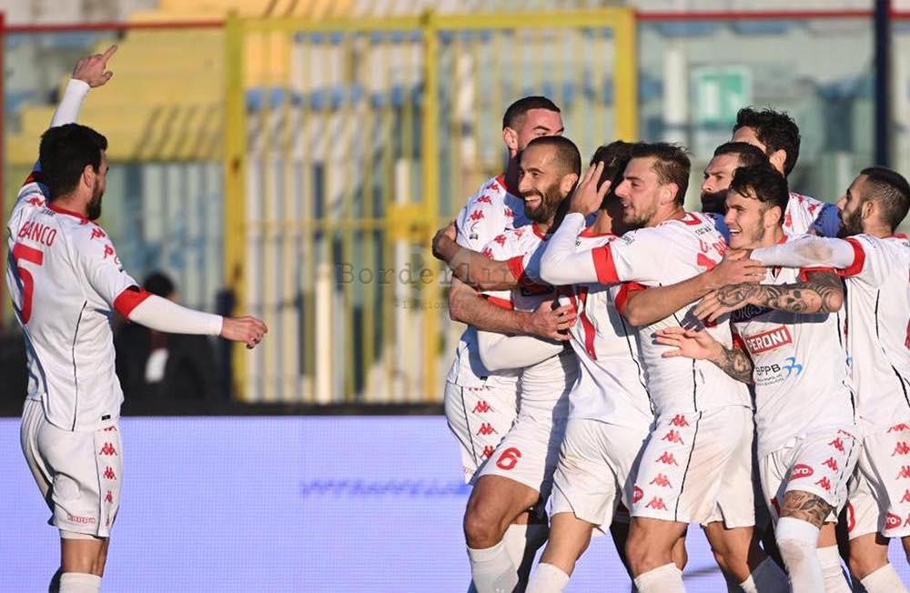#Calcio, Casertana-#Bari (0-2): blitz esterno firmato da Antenucci e Montalto  https://t.co/05a6DTMjm8 #SerieC https://t.co/bfP91C7ii7
