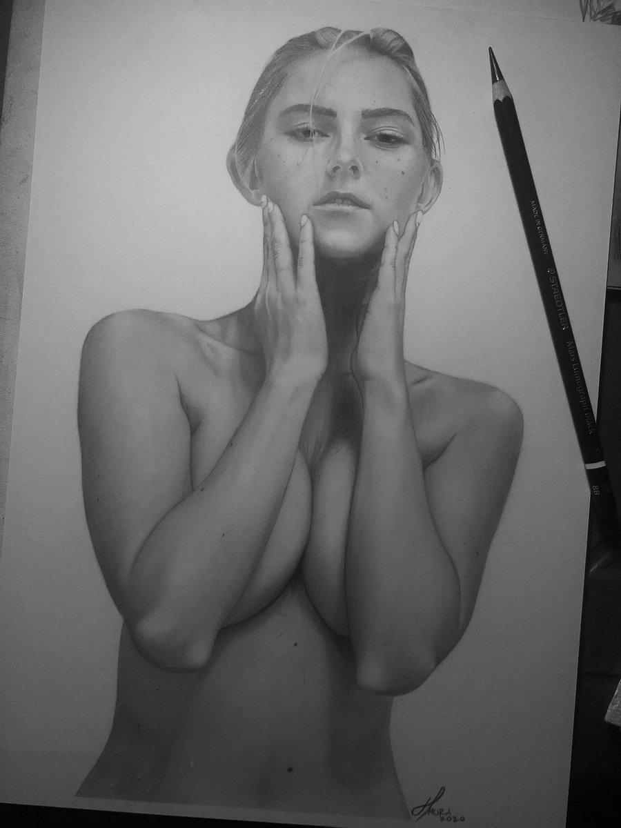 @EvaElfie Pure Graphite on Vellum ❤️🔥 #artwork #artistsontwitter #art #artist #fanart #graphite #drawing