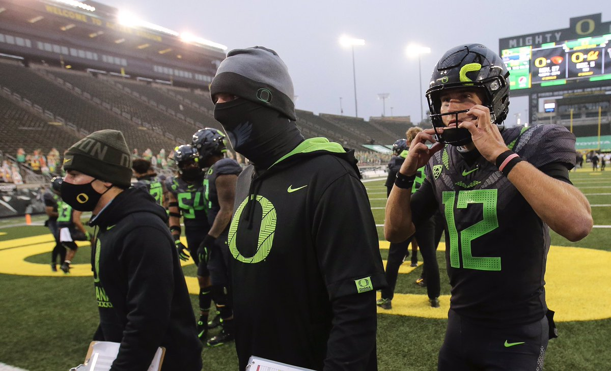 Through three games, the @oregonfootball offense under @BallCoachJoeMo leads the Pac-12 with 499.7 yards per game and 7.65 yards per play — the latter ranking fifth in the FBS. The Ducks also lead the conference with 11 explosive plays of 30+ yards. #GoDucks