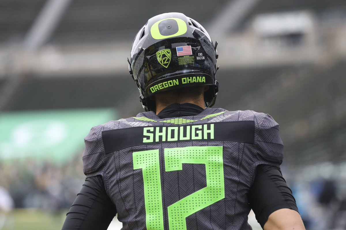 Sophomore quarterback @tylershough2 leads the Pac-12 in passer rating at 177.60, more than 20 points better than anyone else in the conference. Shough also leads the Pac-12 with eight TD passes and he's averaging 10.2 yards per attempt (Mariota averaged 10.0 in 2014). #GoDucks